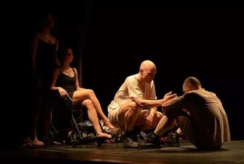Cia Carne Agonizante apresenta o espetáculo Canto Preso no III Eita